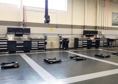 Land Rover North Haven automotive lifts